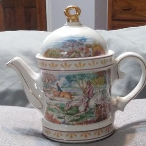 Windsor England China teapot hunting scene